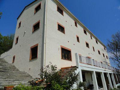 Agence immobilière propose une maison d'hôtes à vendre à La Bastide dans les Pyrénées-Orientales