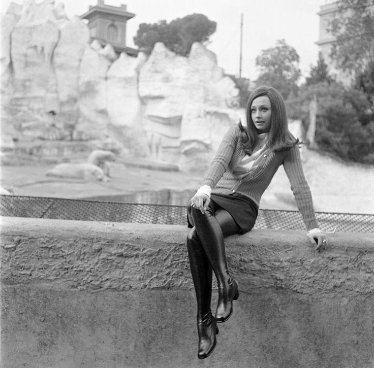 Raffaella Carrà nel 1968 #vintage #1960s