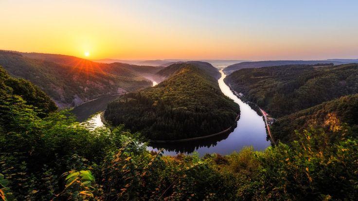 Du stehst auf die Fjordlandschaften von Norwegen? Wie wäre es mit der heimischen Saarschleife?
