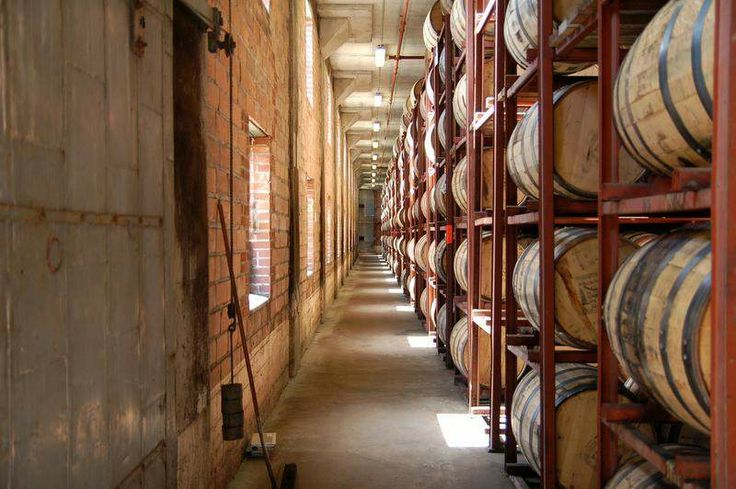 Louisville Restaurant News | Bourbons Bistro offers bourbon barrel buying field trip