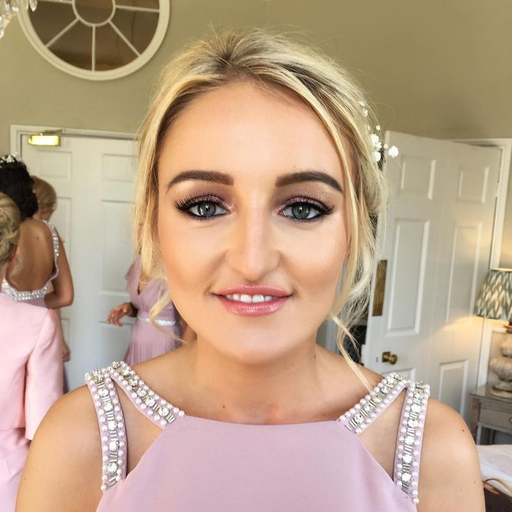 ✨Light pink and gold tones and glowy skin on the stunning bridesmaids from Samantha's wedding on Friday ��✨ #makeup #makeupartist #mua #muauk #wedding #weddingmakeup #bridesmaid #bridesmaidmakeup #nars #narsalldayluminous #mac #maccosmetics #macpatisserie #iconiclondon #peachesandcream #peachesmakeup #nyx #contour #contourandhighlight #highlight #peacheslashes #spectrumbrushes #spectrumcollections #beautyblender #middletonlodge #middletonlodgewedding #beautybycaradavison…