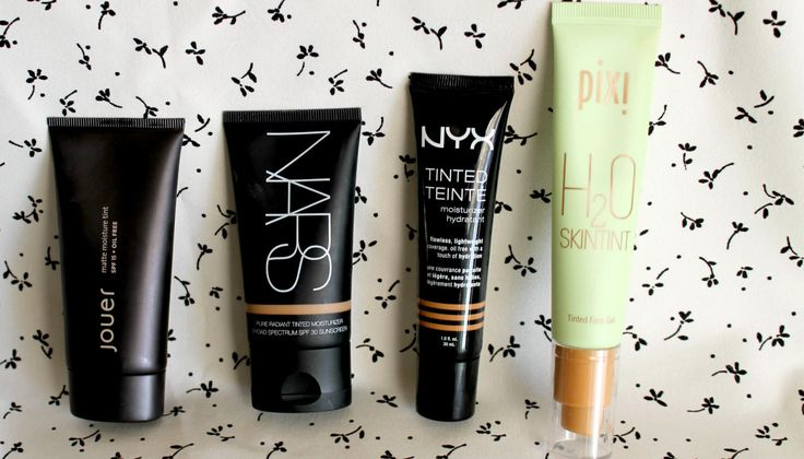 4 Tinted Moisturizers That Actually Stay Put on Oily Skin. Lightweight coverage that stays where it belongs.