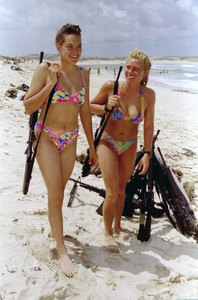 girls and guns military | ... Female Soldiers Ready for Leisure And War ~ Global Military Review