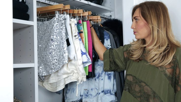 Fashion writer Liz Mitchell gets acquainted with her new closet. Learn more: http://www.closetfactory.com/