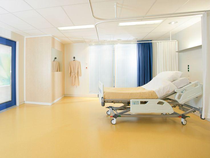 Ziekenhuiskamer- Uiteindelijk werd Tyrza wakker in een ziekenhuiskamer, het was eindelijk veilig voor haar. Het zusje en de moeder van Tyrza waren daar ook. Daarna werd ze ook nog bezocht door iemand van de politie om te vertellen wat er nou allemaal precies was gebeurd.