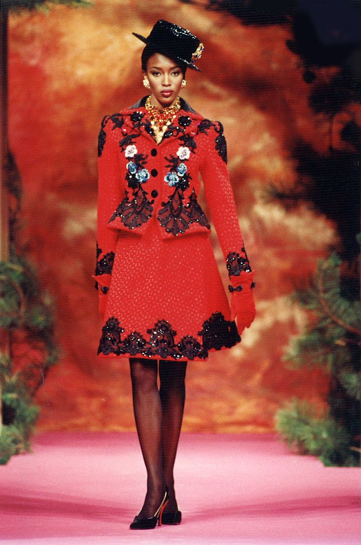 698 best images about christian lacroix on pinterest haute couture baroque and shalom harlow. Black Bedroom Furniture Sets. Home Design Ideas