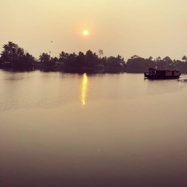 #Sunrise at #Alappuzha #house #boat #Kerala #Tour #Travel #awesome #amazing #vacation #holiday #fun #love #life #bestmoments #instapic
