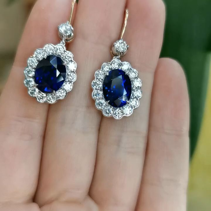 8.77 cr sapphire diamond earrings