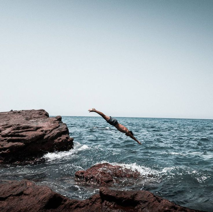 Diving into the crystal ���� . . . . #pool #crystal #clear #diving #blue #water #sea #hills #rock #�� #beach #beachday #summertime #4k #nikon #canon #music #lr #lightroom #vsco #theme #lifestyle #summer #superman #dz #justinbieber #instagram #oasis http://butimag.com/ipost/1554499011146547779/?code=BWSsJ1TFgJD
