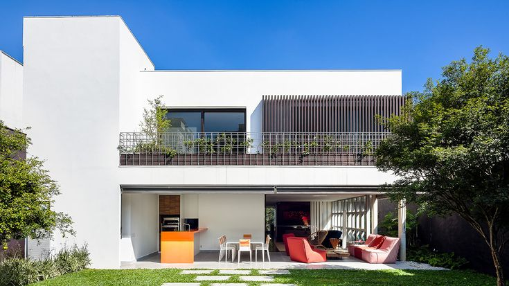 Located in Sao Paulo, Brazil, the 2016 completed AA House by Pascali Semerdijan Architects boasts a unique design inspired by the existing structure.