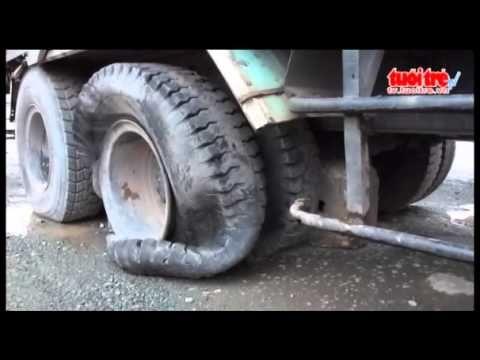 Xe tải mất thắng gây tai nạn liên hoàn