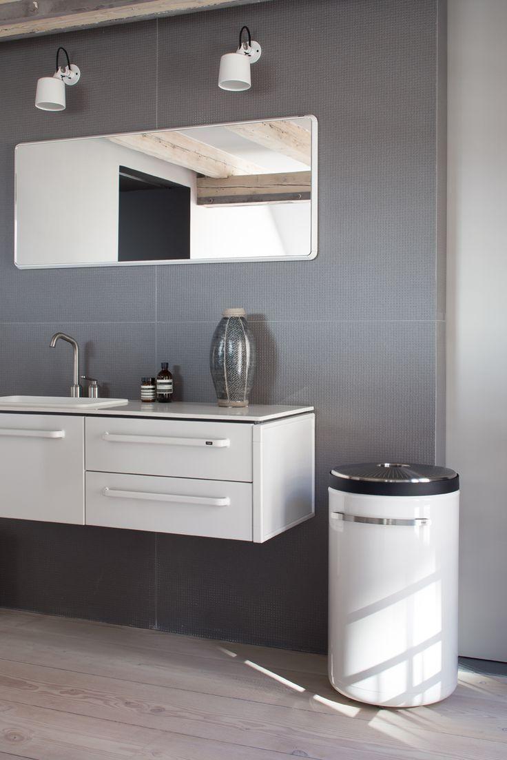 Laundry Service Vipp Laundry Basket And Bath Module