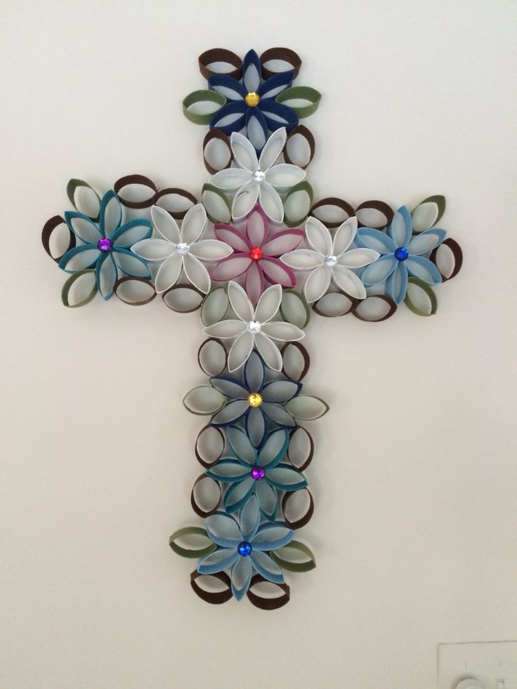 Cross of flowers made from toilet paper rolls lots of fun for Cardboard crosses for crafts