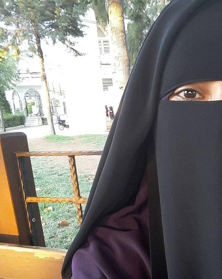 """146 Likes, 14 Comments - jilbab & niqap designer (@la_tahzen_butik) on Instagram: """"Peçe Takıyorum, Çünkü 1- """" Modamızın sınırlarını iffetimiz belirler """" düsturuyla asrın tesettürü…"""""""