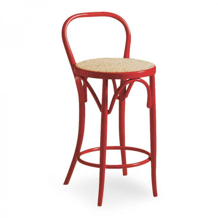 SEL 03/CA, la struttura a quattro gambe di questo sgabello comprende un comodo poggiapiedi di forma circolare che dona anche maggiore stabilità alla seduta.