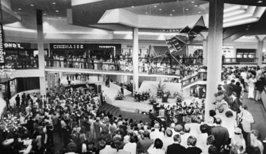 Randall Park Mall preview 1976