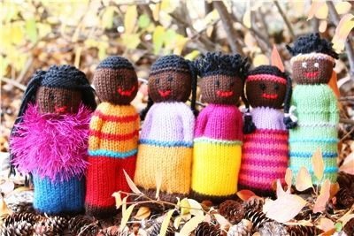Knitting/Crocheting simple Comfort Dolls for orphans and vulnerable children in third world countries: Duduza Doll, Orphan, Pattern