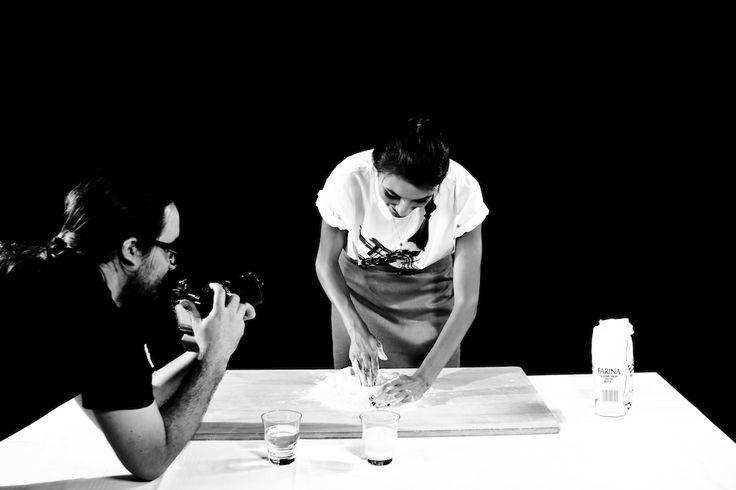 Backstage dello shooting con Adriana Hula per Ducati. #ducati #diavel #shooting #studio #backstage #model #motors #moto