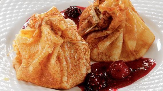 Итальянские блинчики с маскарпоне и ягодным соусом, пошаговый рецепт с фото