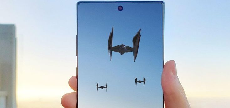 'Star Wars' starships invade the skies in Samsung mobile