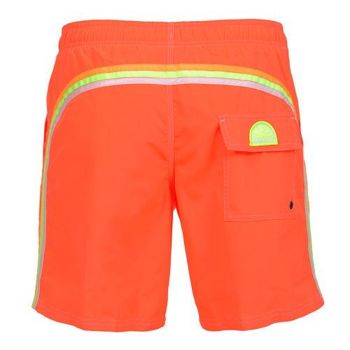 FLUO ORANGE LONG SWIM SHORTS WITH ELASTIC WAIST AND RAINBOW BANDS Fluo orange Nylon Taffeta long boardshorts. Three rainbow bands on the back. Elastic waistband with adjustable drawstring. Internal net. Two front pockets Back Velcro pocket. Sundek logo on the back. COMPOSITION: 100% NYLON. Model wears size M he is 189 cm tall and weighs 86 Kg.