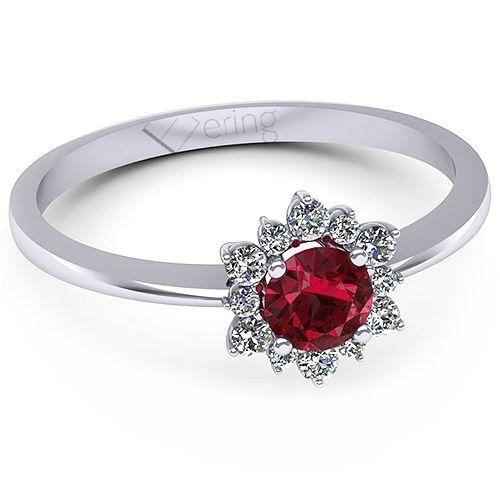 Inel de logodna realizat din aur alb, cu un rubin si diamante. Declara-i iubirea!
