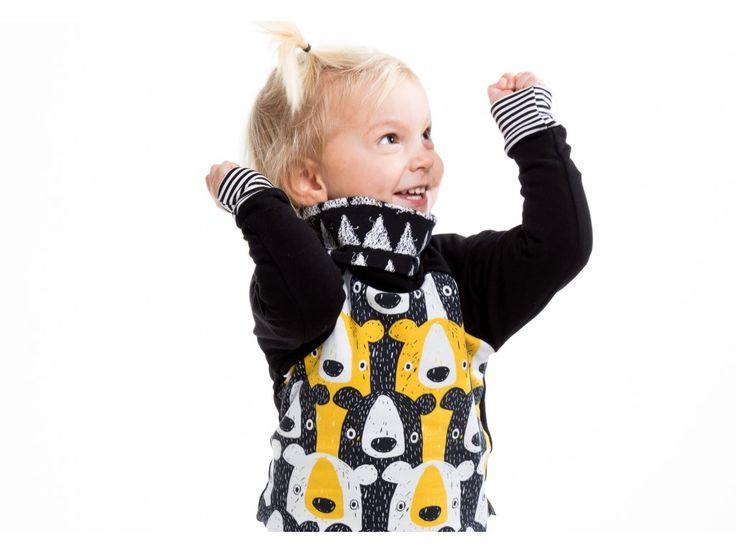 Rostoucí mikina medvědi žlutí . Rostoucí mikina s extra vysokým rolákem. Rukávy i lem na bocích se dají nakasat a mikina tak déle vydrží. Ocení všichni rodiče, které nebaví neustále kontrolovat dítěti záda a zakasávat oblečení do kalhot. Díky...