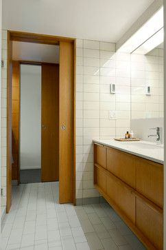 Midcentury Modern Bathroom Design Ideas, Pictures, Remodel, and Decor - page 10