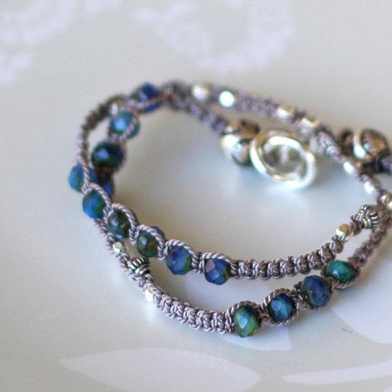Muy elegante Helmenharmaa lanka, siniset helmet <3