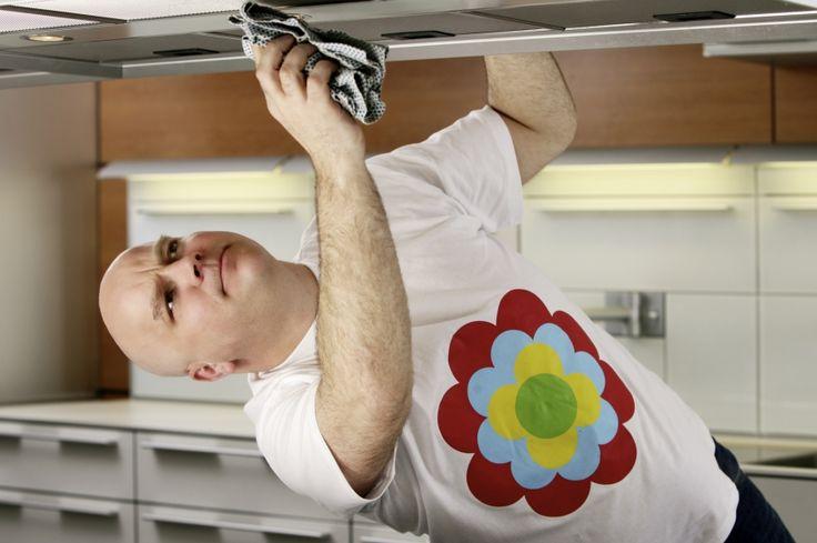 Fett-Staub-Schmiere auf Küchenschränken entfernen
