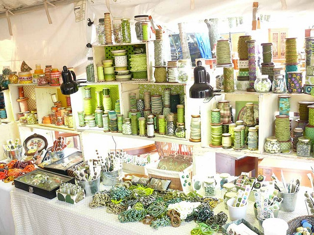 Another booth full of color at #Brimfield: Dry Good, Brimfield Antiques, Bananas Booths, Central Parks, Parks Fields, My Friends, Brimfield Display, Photo, Colors Inspiration