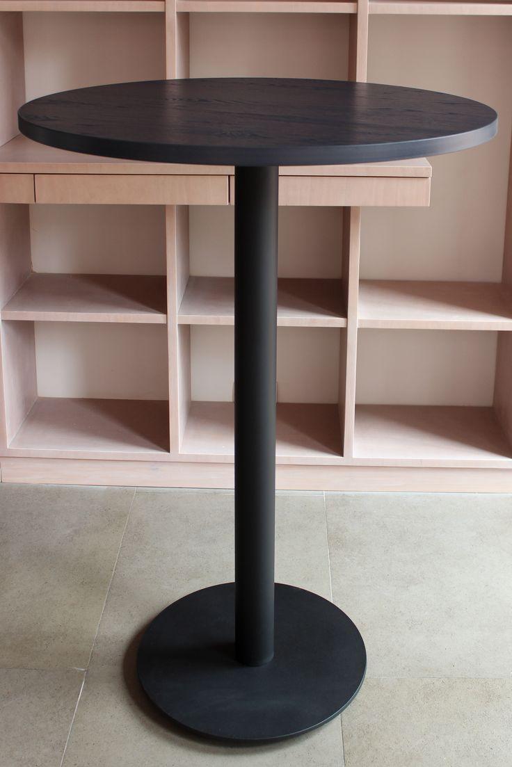Mesa alta tipo pedestal. Utilización de base DISCO.