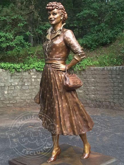 Lucile Ball Statue