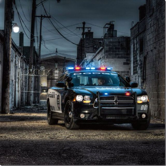 Police cars of the United States has always been brave and ferocious, and the vast majority are very classic American cars, and now, the new U.S. police car began to put into practical use, this is the Dodge Charger Police Pursuit. This car is equipped with a Chrysler 5.7-liter V8 a HEMI engine, the power of course, is very strong, that this police car enough to allow police officers to effortlessly they can catch up with the fugitives, and make criminals tremble with fear.In addition, the…