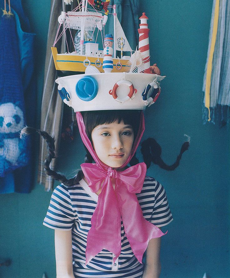 Pippi with amazing boat hat