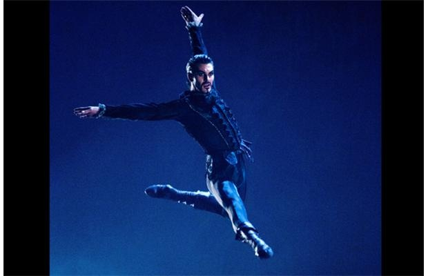 Kelley McKinlay as Iago performs in Alberta Ballet's production of Othello