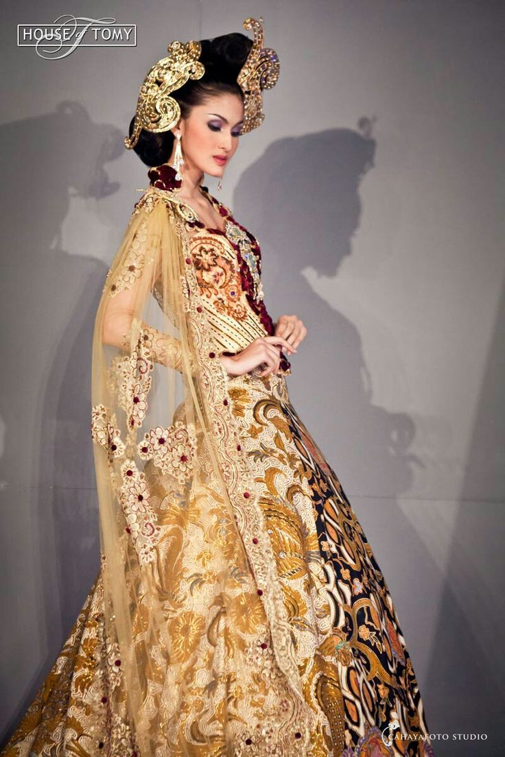 "Cahayafotostudio fashion 📷 @Cahayafotostudio reservasi 📱081802682899 🌎 Jl.kaliurang km10 yogyakarta Kebaya by @TomyTriwahyudi ""kuntum kahyangan"" Thnxu @latulipe_lt.pro #fashionfotograferjogja #fashionblogger #fashionstudiojakarta #fashionfotograferjogjajateng #fashionfotograferjogjakarta #fashionjogjafoto #fashionfoto #fashionstudio #fashionjogja #batikfashionjogja #jogjafashionweek #jogjafashionfotografer #jogjafotografer #jogjaweddingfotografer #cahayafotostudio"