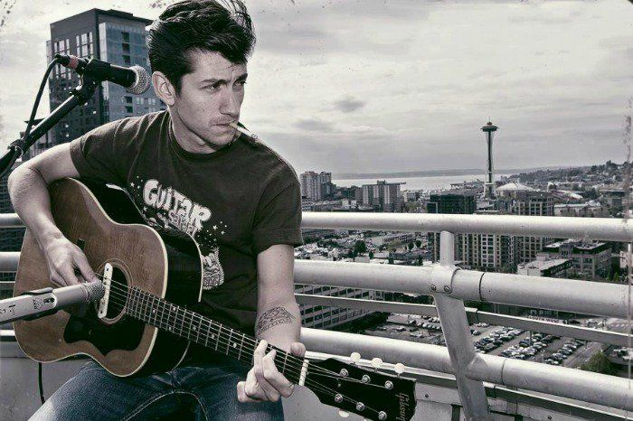 Alex Turner, el vocalista de los Arctic Monkeys, se ha convertido en un símbolo sexual y es considerado uno de los mejores rockeros de nuestro tiempo.