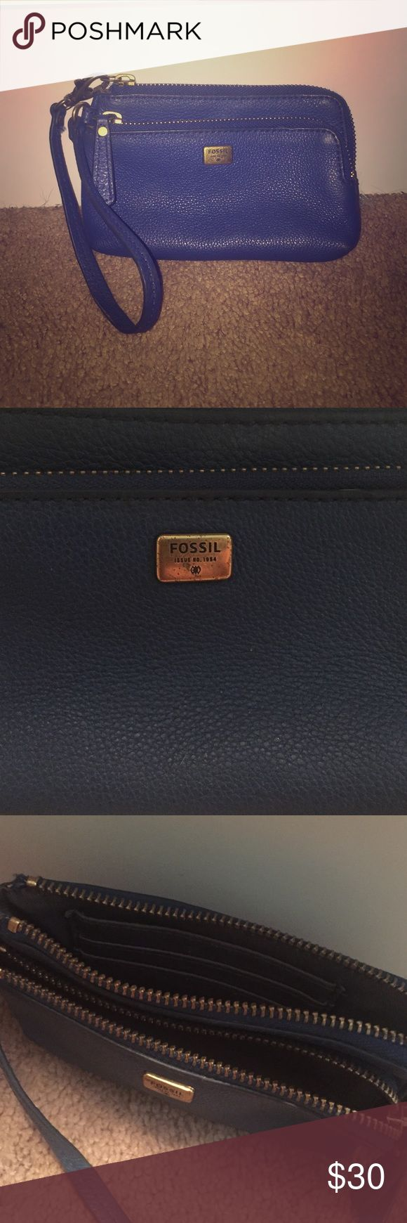 Fossil Wallet Blue Fossil wristlet wallet, great for the fall months! Has been used but only for a month or two & is still is great condition! Fossil Bags Wallets