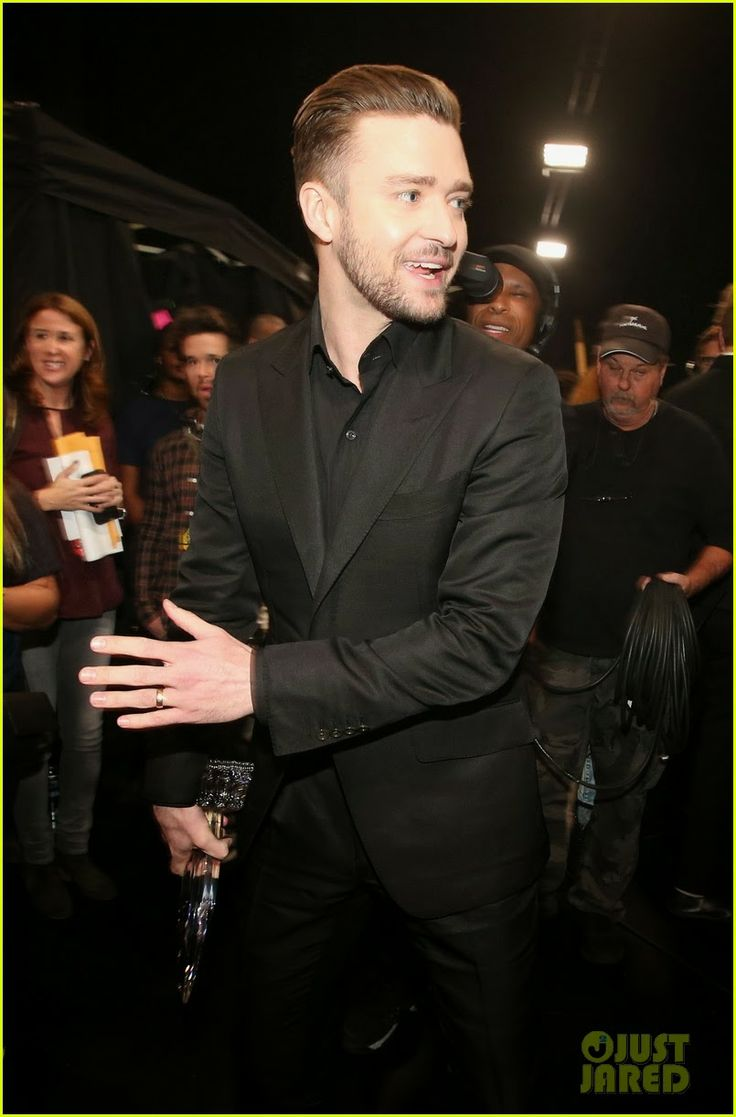 Celeb Diary: Justin Timberlake @ 2014 People's Choice Awards