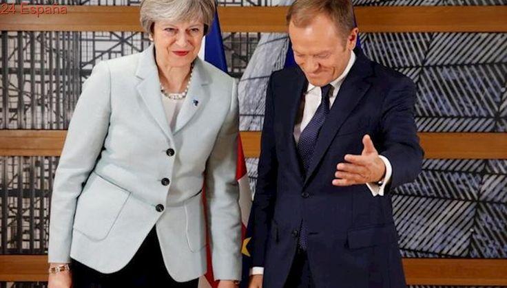 Donald Tusk da 10 días a Theresa May para avanzar si quiere un acuerdo sobre el Brexit en diciembre