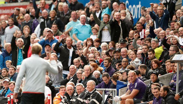 Swansea fanúšikovia gesto voči Jürgen Klopp