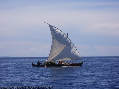 NOSY-KOMBA / TANIKELY NOSY BE - DILANN TOURS MADAGASCAR