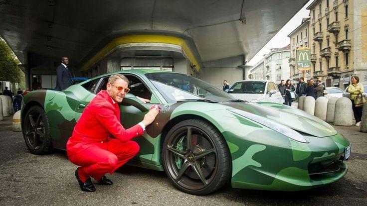 Лапо Элканн (Lapo Elkann) и его камуфляжная Ferrari 458 Italia