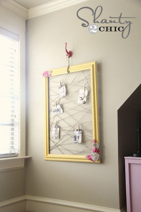Memo/picture board made from an old frame & twineBows Holders, Memo Frames, Shanty Chic, Old Frames, Old Pictures, Photos Boards, Diy Memo, Memo Boards, Pictures Frames