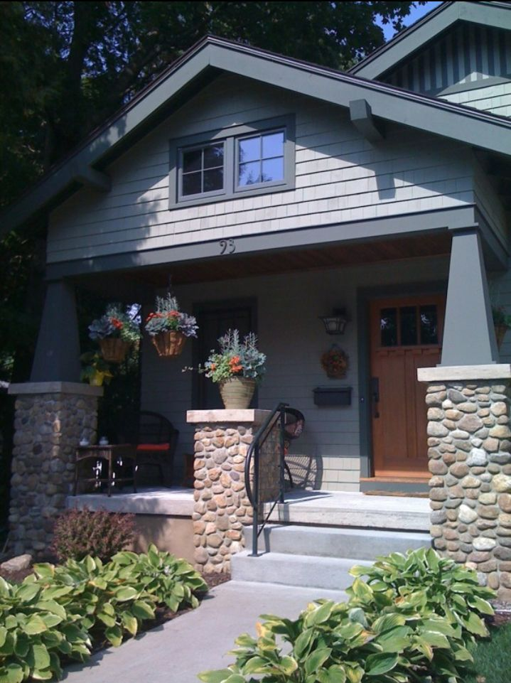 17 best images about craftsman bungalow on pinterest for Californian bungalow front door