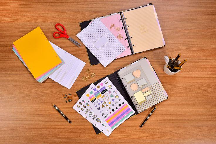 Se organizar com um planner é ter infinitas possibilidades, pra isso temos disponíveis SETE diferentes tipos de refis, são eles: agenda permanente, agenda datada, pautado, quadriculado, pontilhado, sem pauta em branco e sem pauta colorido.