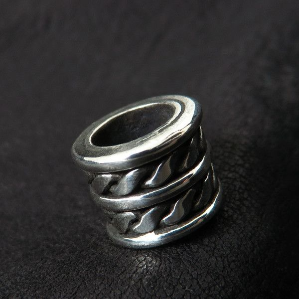 Silver beard bead from The Sunken City by DaWanda.com