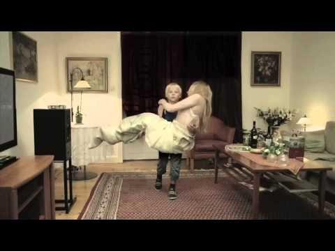 Lapsen kuuluisi saada olla lapsi - YouTube