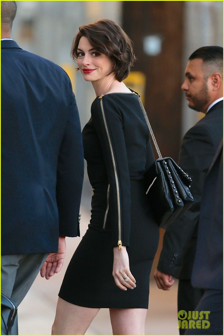 Anne Hathaway Reveals She Binge-Watched 'Toddlers & Tiaras' When She Had Swine Flu on 'Jimmy Kimmel Live'!   anne hathaway reveals she binge watched toddlers tiaras 03 - Photo